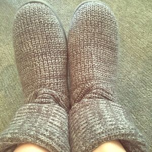 Grey sweater boots